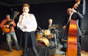 Claire and the Cool Club, jazz, pop, gig, song, paris, melun, guitar, bass, drum, live, concert